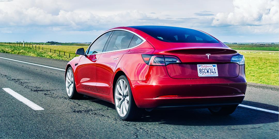 Thesis 2030 Tesla Versicherung